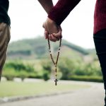 Conheça os graus e as espécies da castidade conjugal e a continência