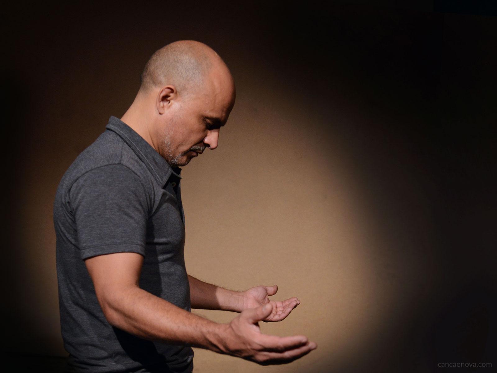 A humildade não é sinônimo de fraqueza, mas sim uma virtude