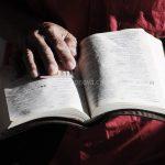 A Palavra de Deus é capaz de iluminar o cotidiano familiar