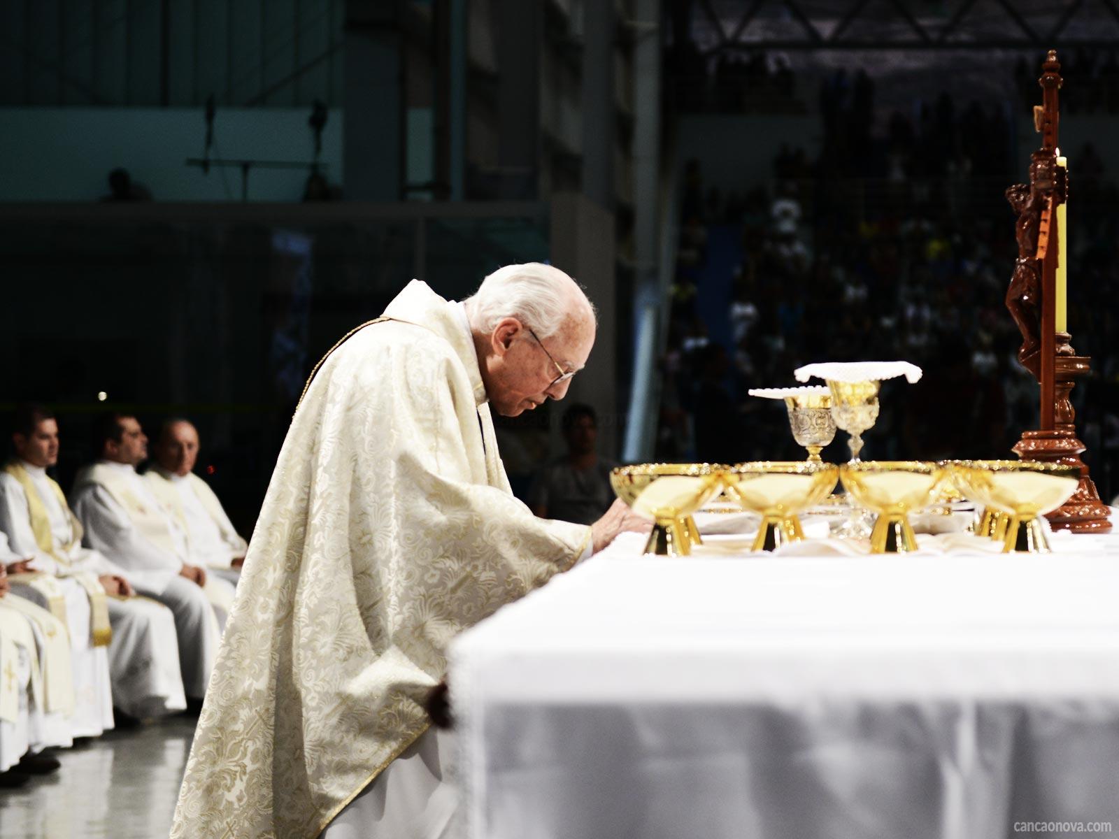 Você sabe o que é a Santa Missa e a sua importância?