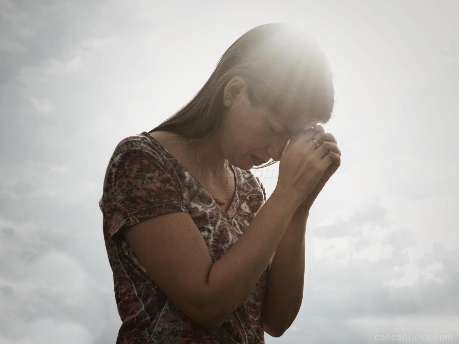1600x1200-A oração é o elo entre o nosso coração e Deus