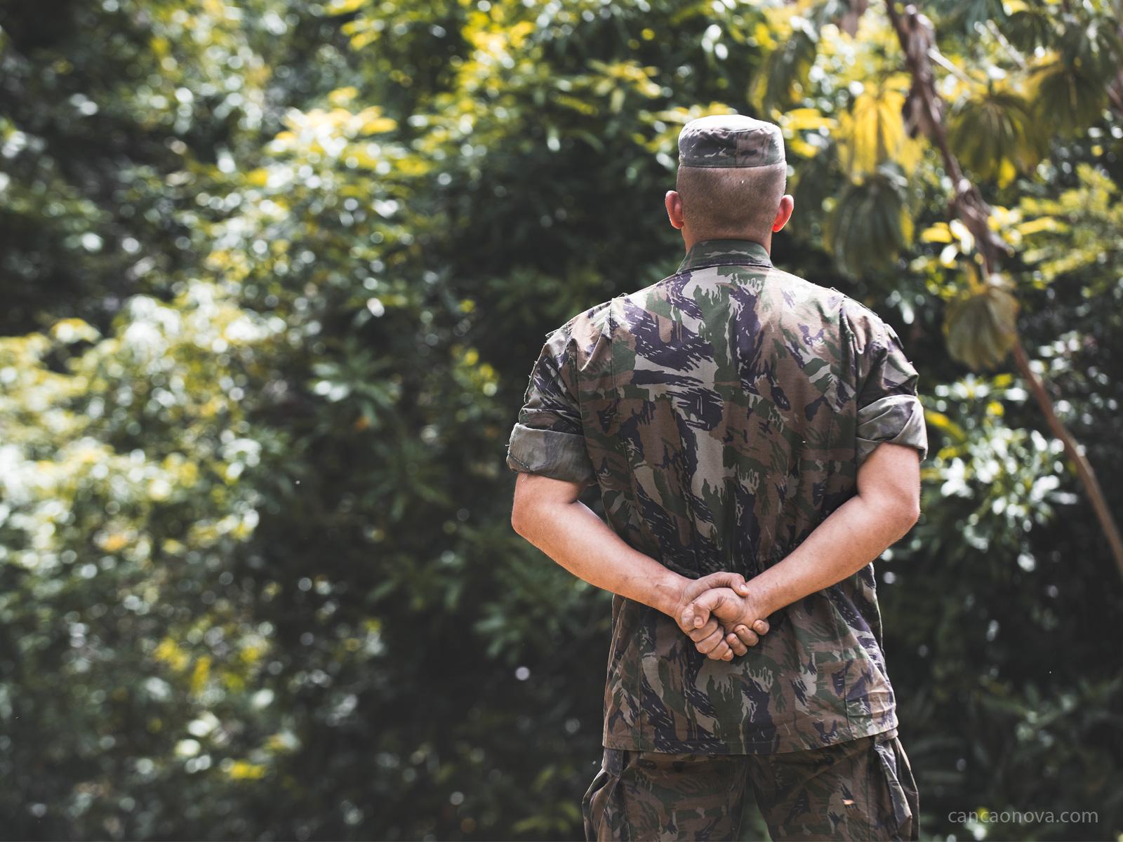 Todo soldado precisa fazer parte de um pelotão