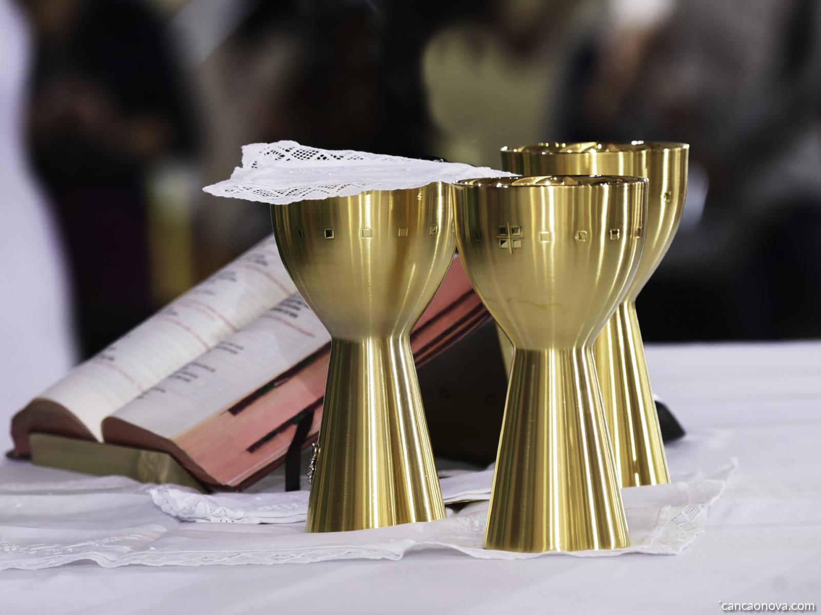É preciso seguir as normas existentes nos diretórios litúrgicos