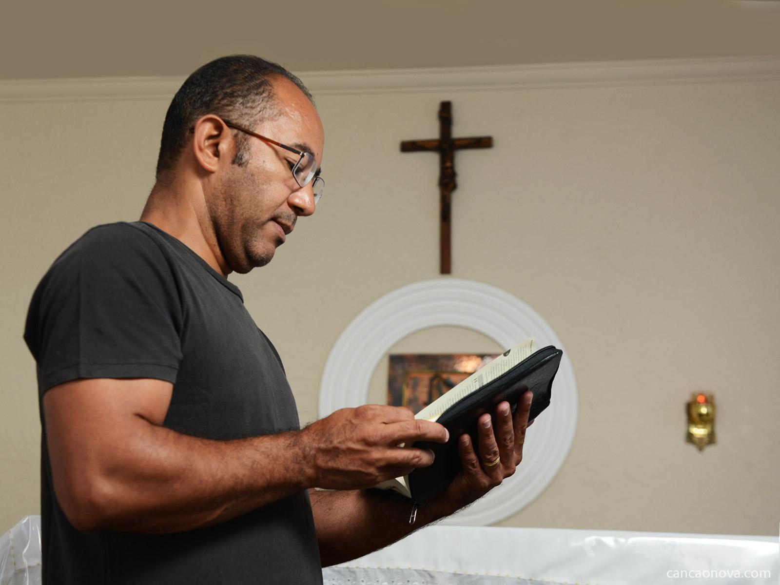 O Evangelho inspira os ensinamentos e os valores do cristão