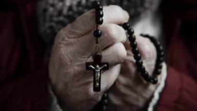 Por que o Santo Rosário é uma arma contra o demônio?