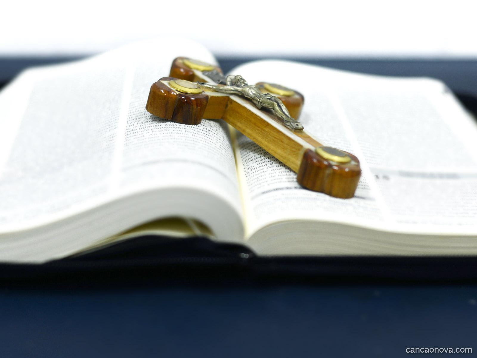 O que nos diz os três primeiros mandamentos da Lei de Deus