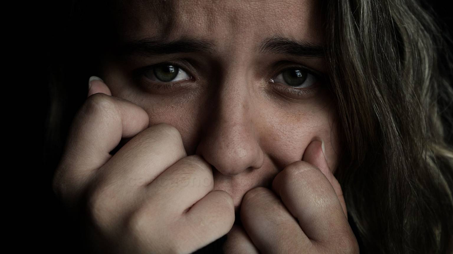 formacao_quais-sao-os-sintomas-do-ataque-de-panico-1536x864.jpg