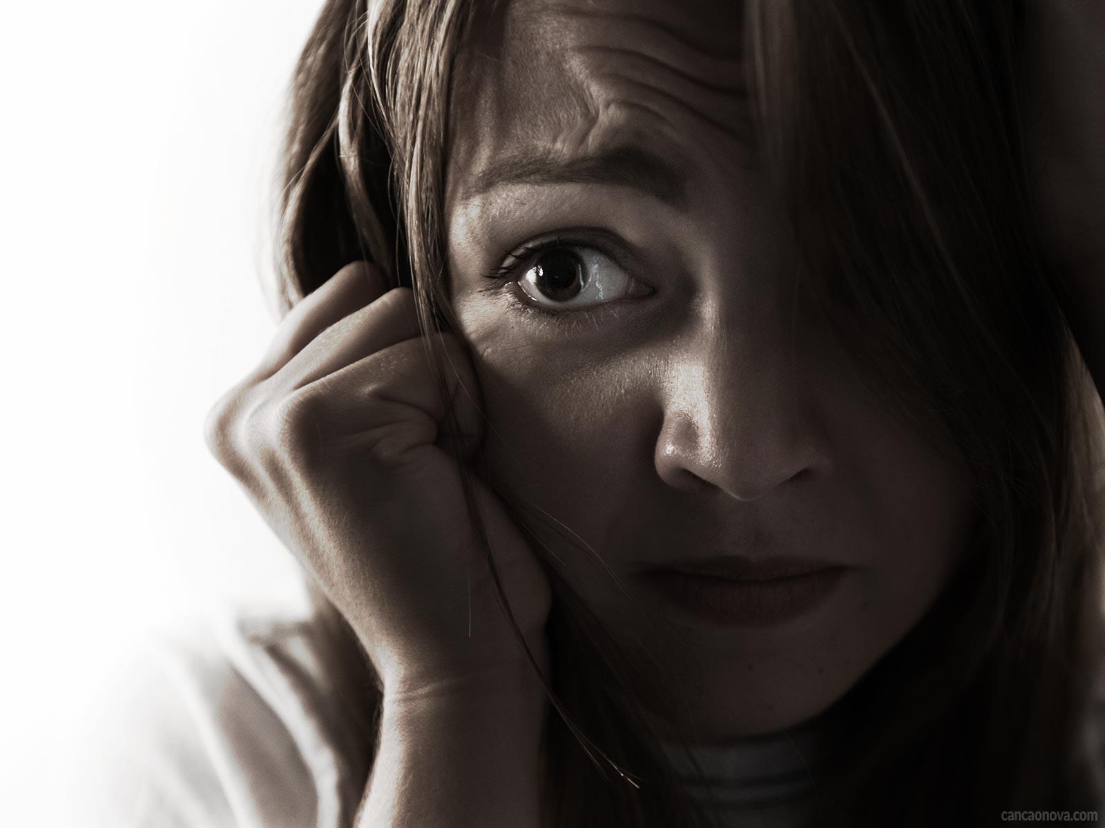 O que é e quais os sintomas da síndrome do pânico?