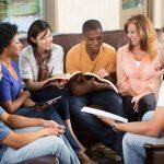 Os grupos de oração como viveiros de fé e moradas de amor