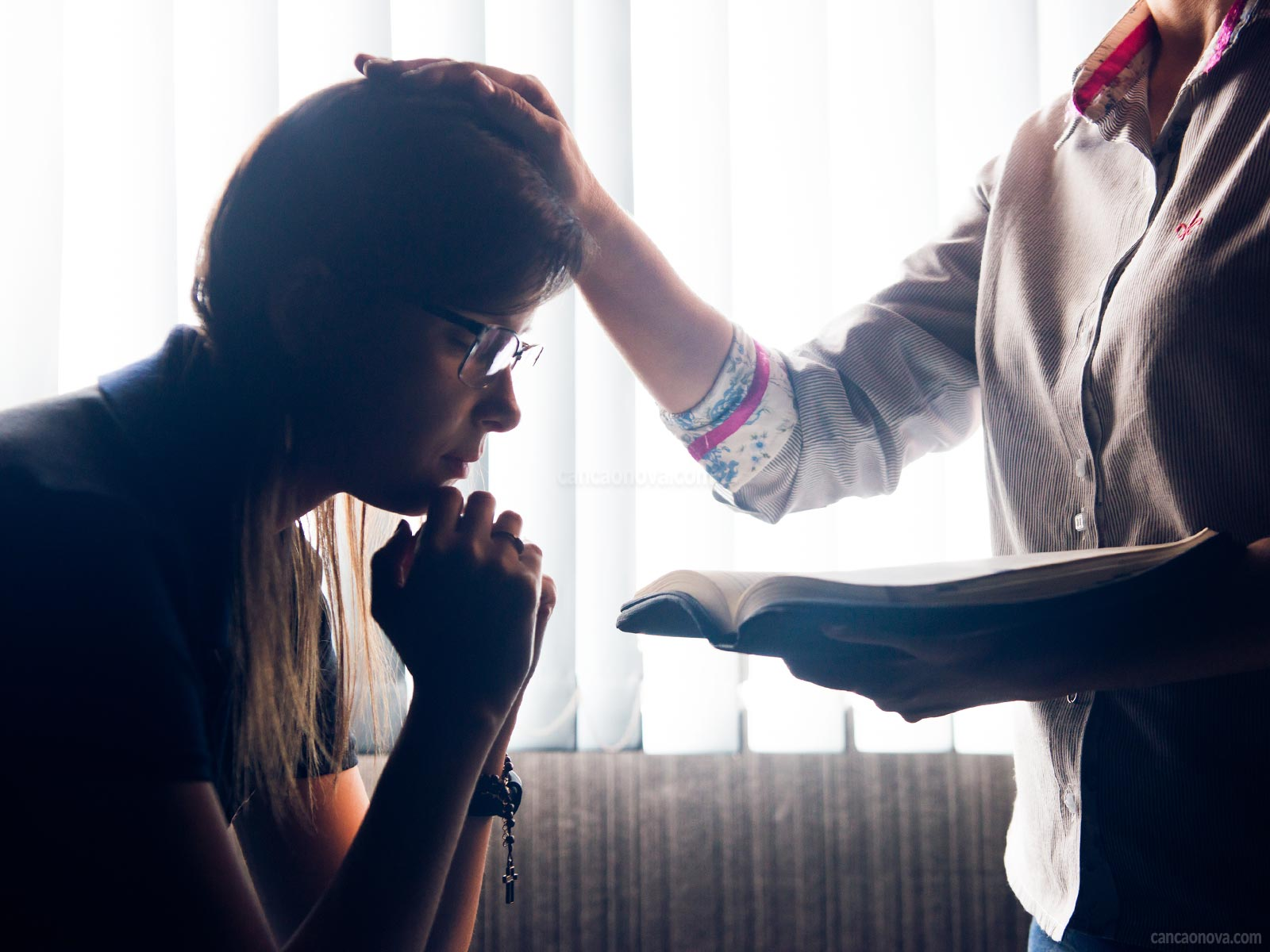 Como-fazer-uma-oração-de-cura-e-libertação-eficaz