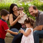 O que os filhos aprendem com o casamento dos pais?
