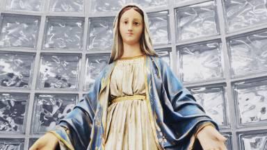 Como é ser gerado no ventre de Maria?