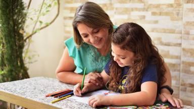 Desenhos que ajudam a educar