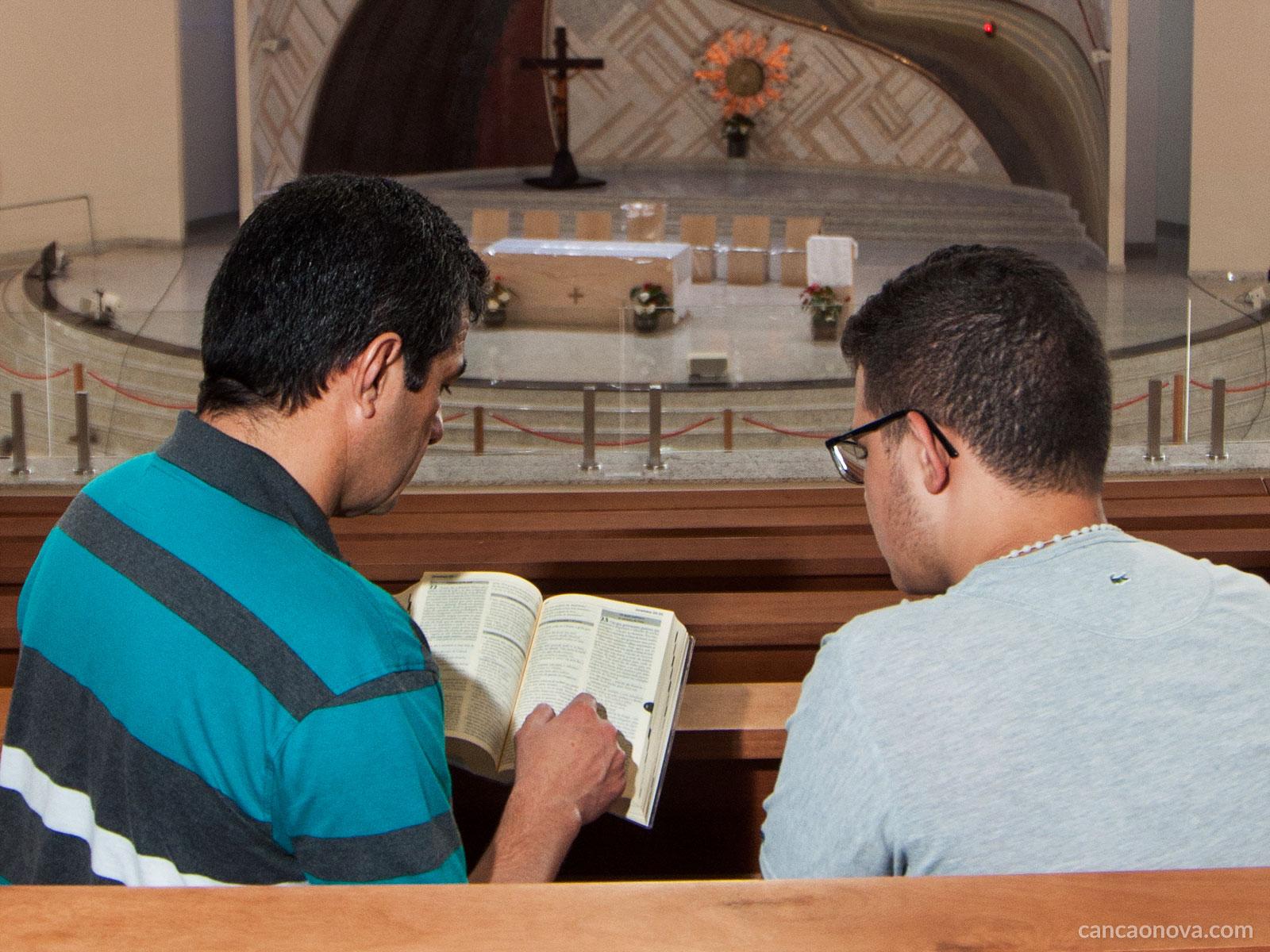 Como falar da doutrina católica com os filhos adolescentes?