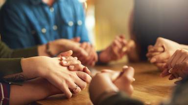Por que nunca podemos desistir de rezar?