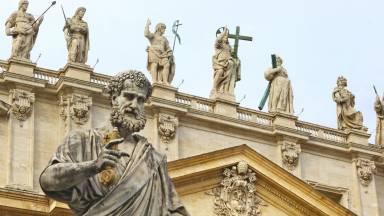 A relação entre a história dos Papas e da Igreja