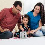 Como os pais podem investir no futuro financeiro dos filhos?