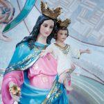 Deixe o amor materno de Maria atingir você