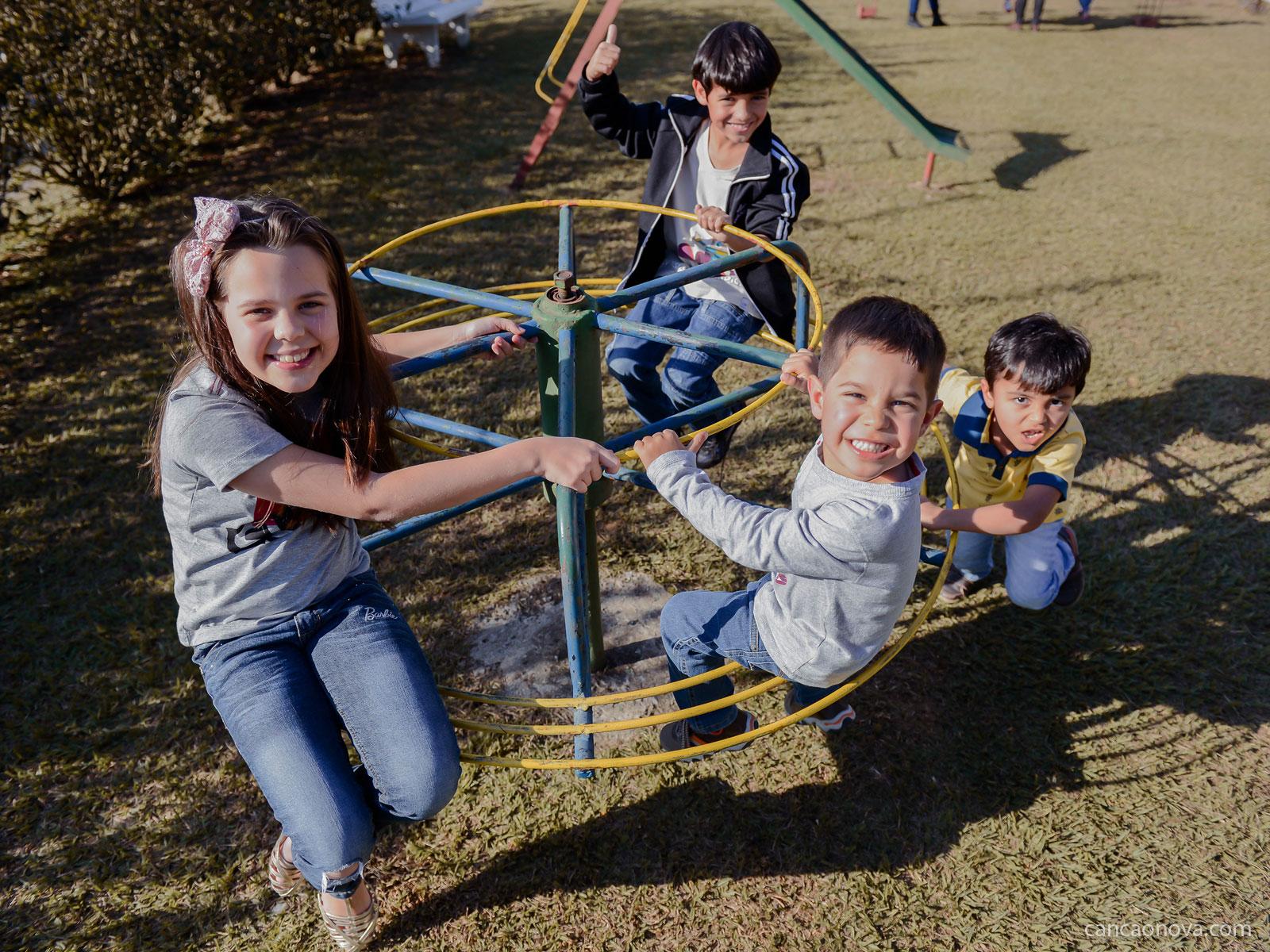 Como desenvolver as habilidades sociais dos filhos?