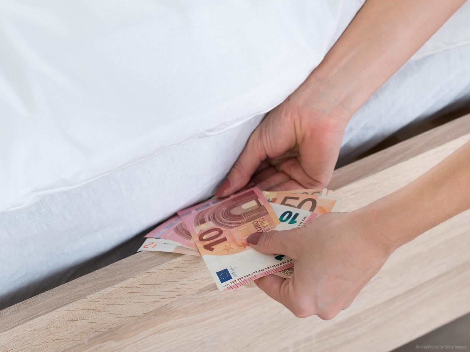 Devo esconder o dinheiro do meu cônjuge?