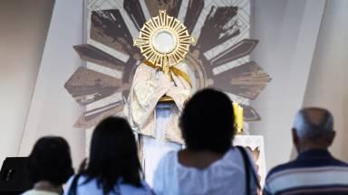 O que o Papa Francisco fala sobre adoração?
