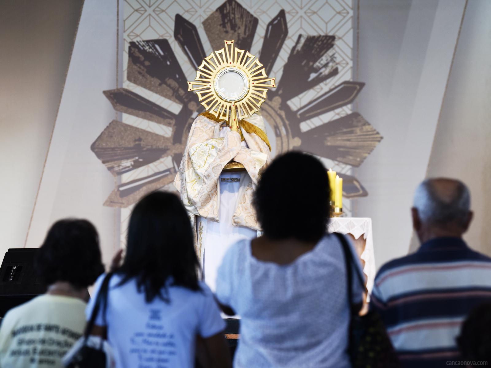 O-que-o-Papa-Francisco-fala-sobre-adoração
