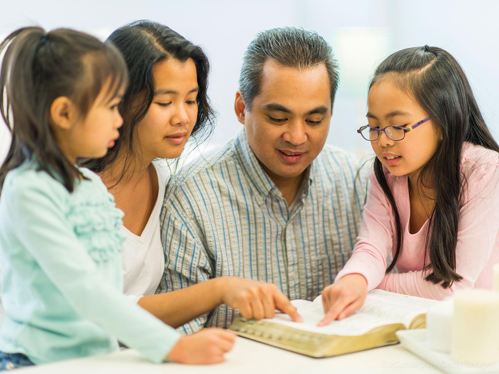 Exercício espirituais de Pentecostes para a família
