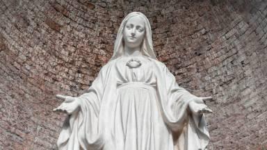 Maio, mês da Virgem Maria, a Mãe de todos