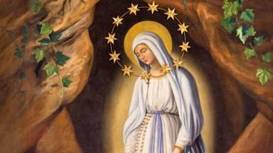 Santa Bernadete, devota da Virgem Maria