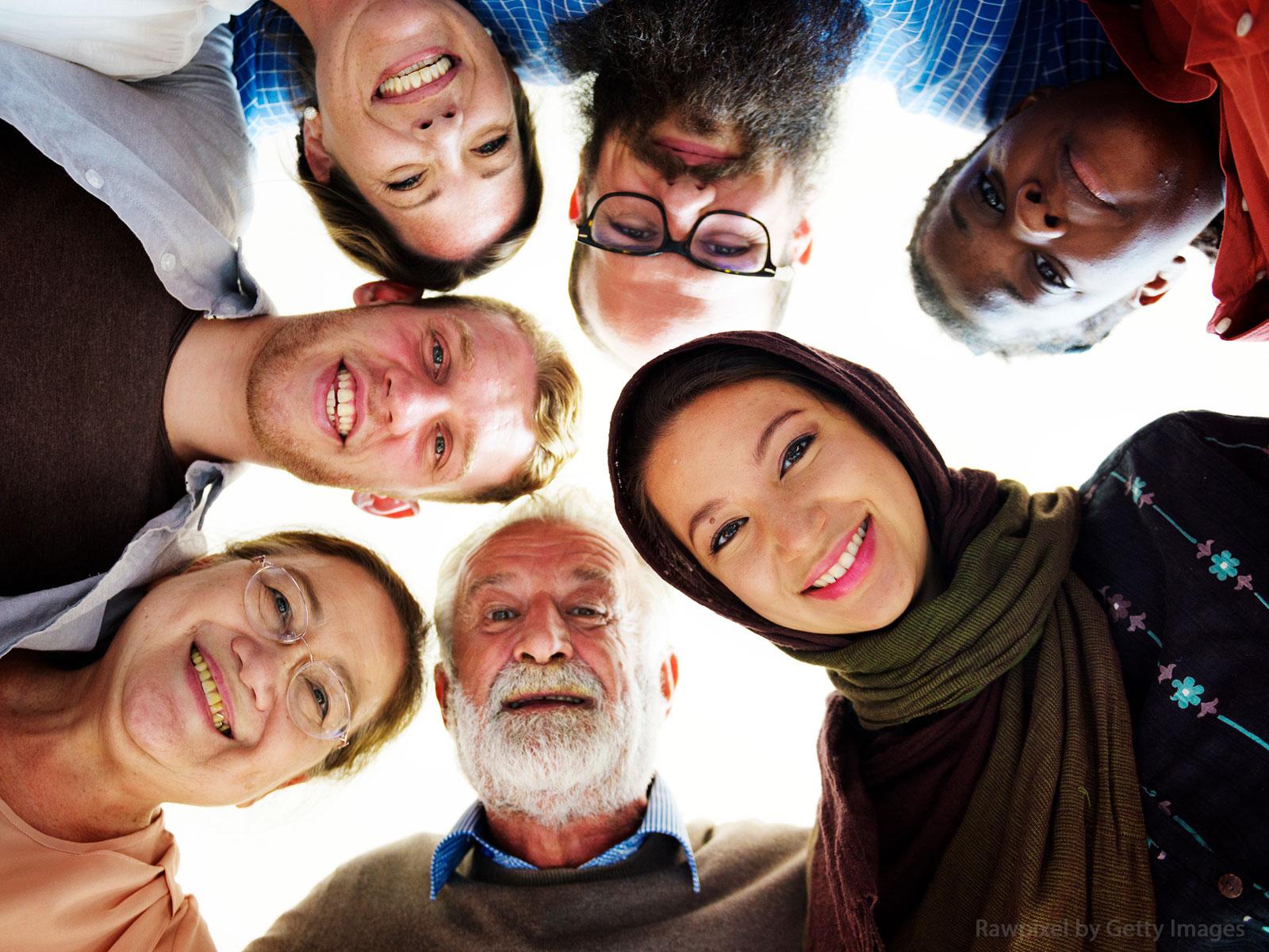 Formação contínua de catequistas orientando sobre outras religiões