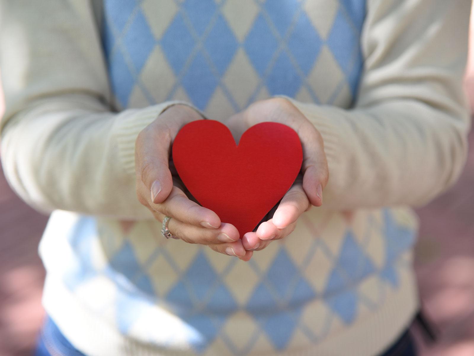 Um coração nas mãos
