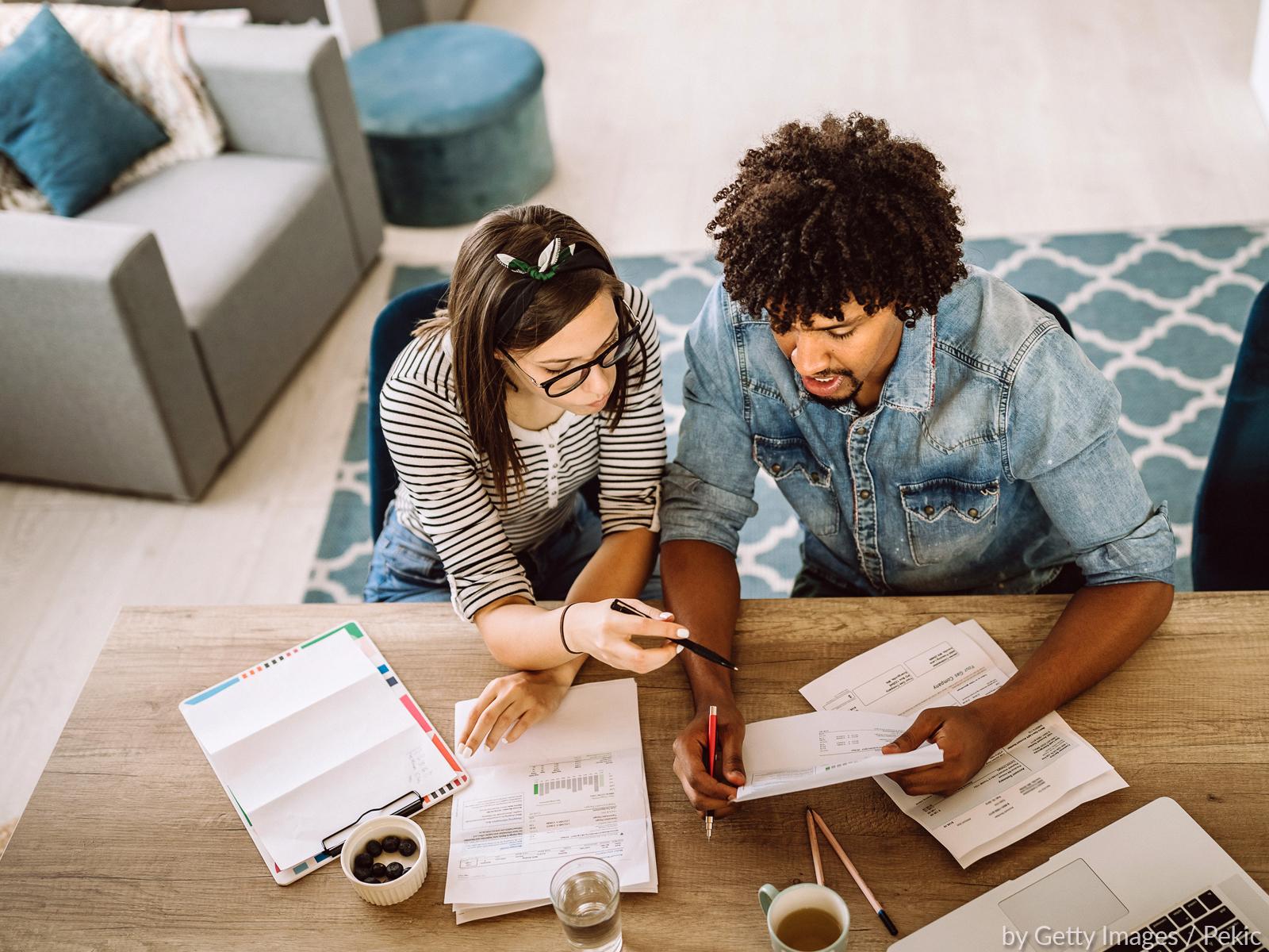 Finanças do casal: convivendo com as diferenças salariais