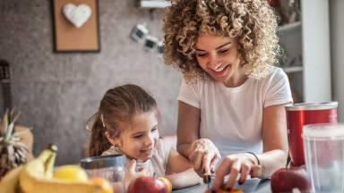 Nutricionista dá dicas de uma boa alimentação para as crianças
