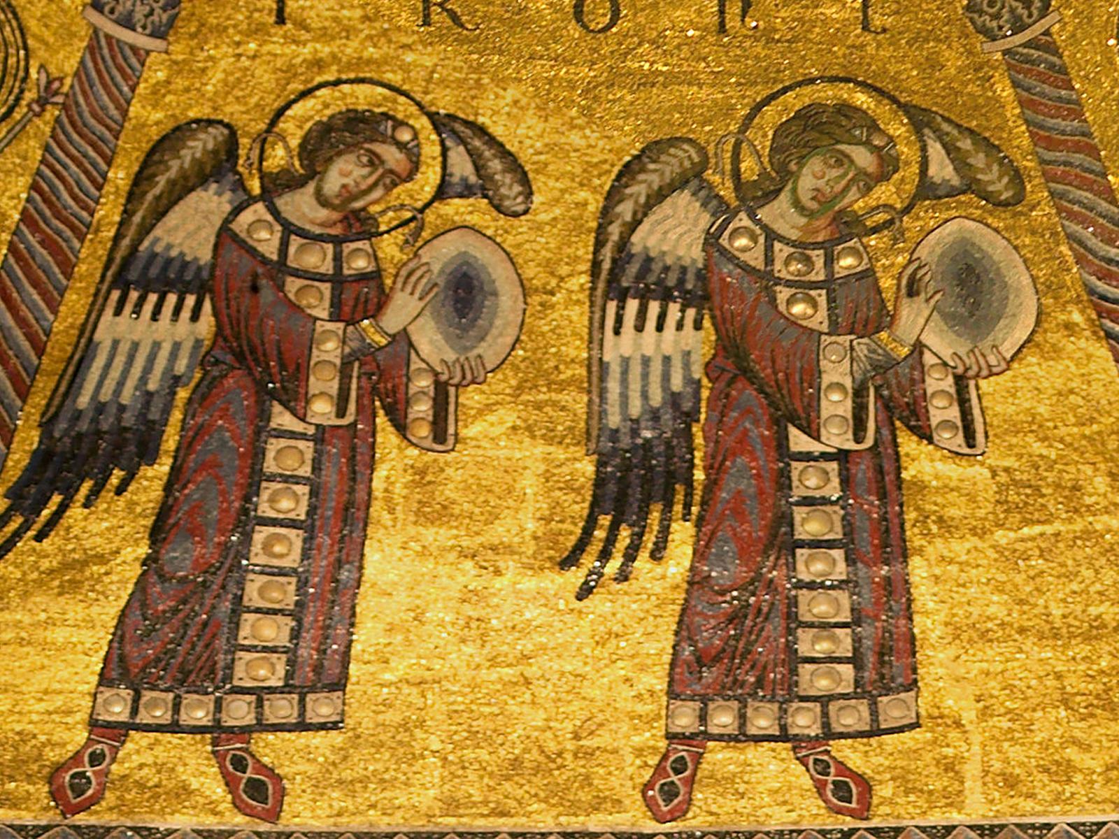 O coro dos anjos tronos: adoradores habitados por Deus