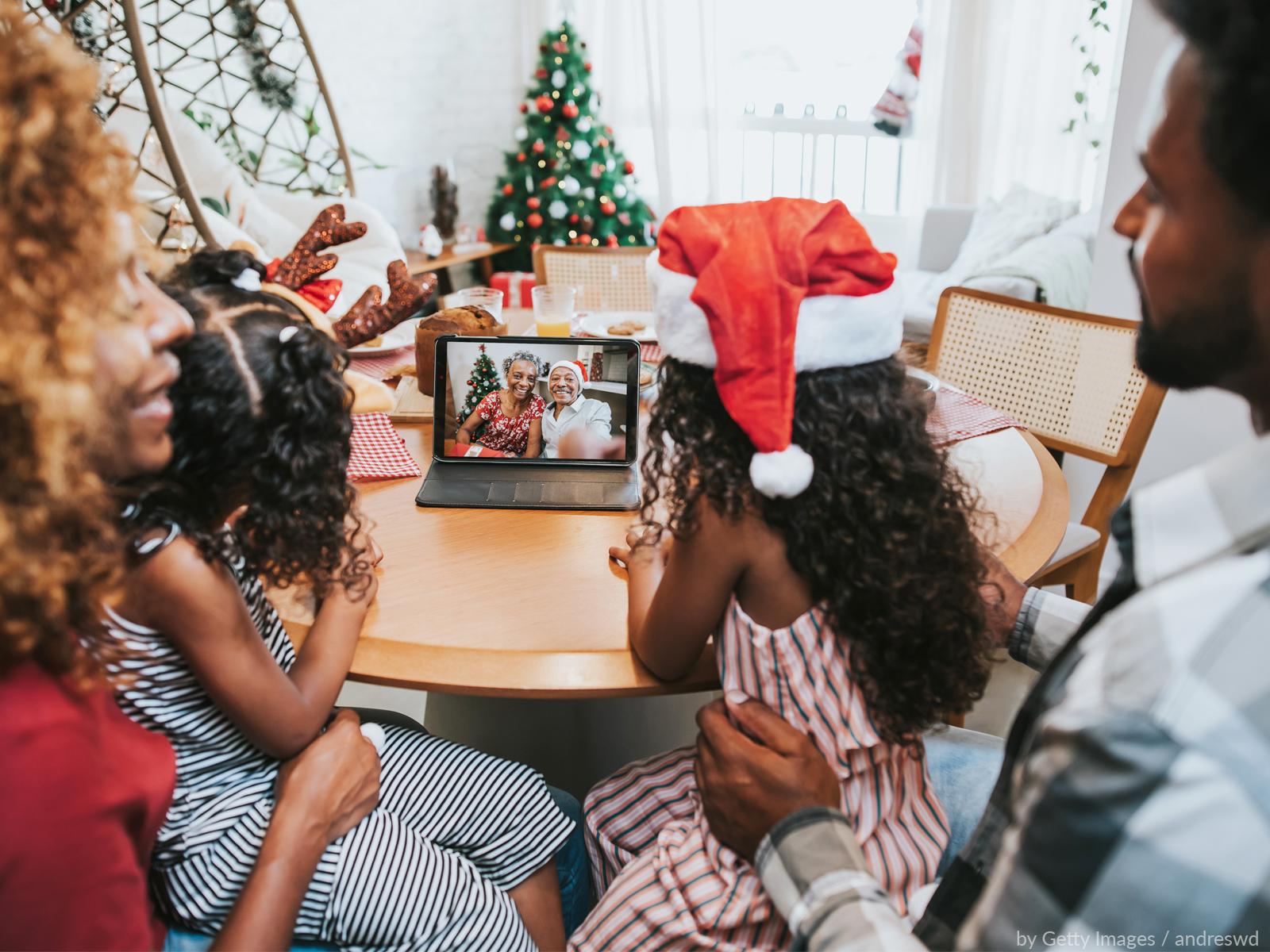 Natal virtual: como aproveitar as festas sem perder a essência?