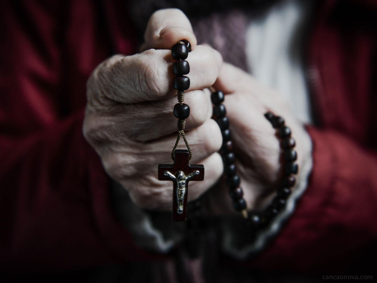 O Rosário alcança graças de conversão e santificação