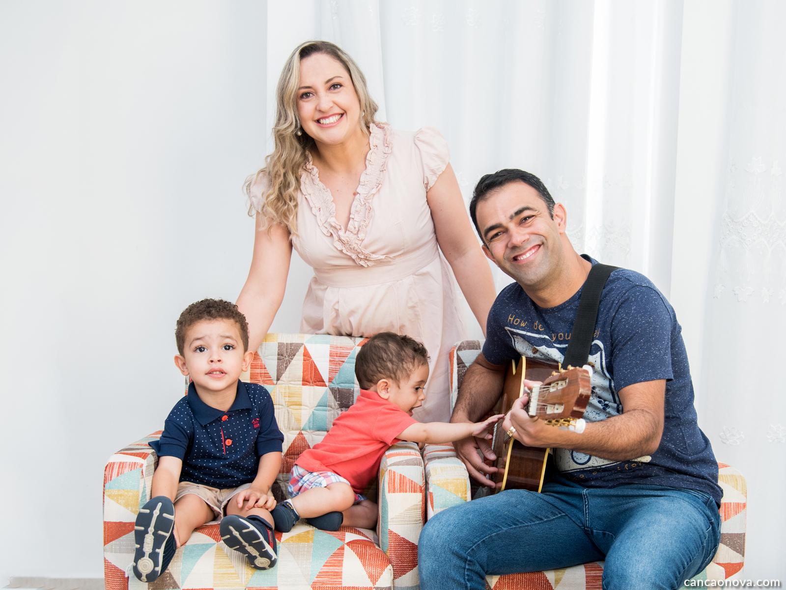 Testemunho Sheila Cristiane partilha sobre sua gravidez