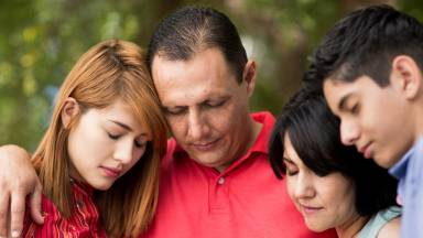 A presença do Arcanjo Rafael: cura e defesa da família