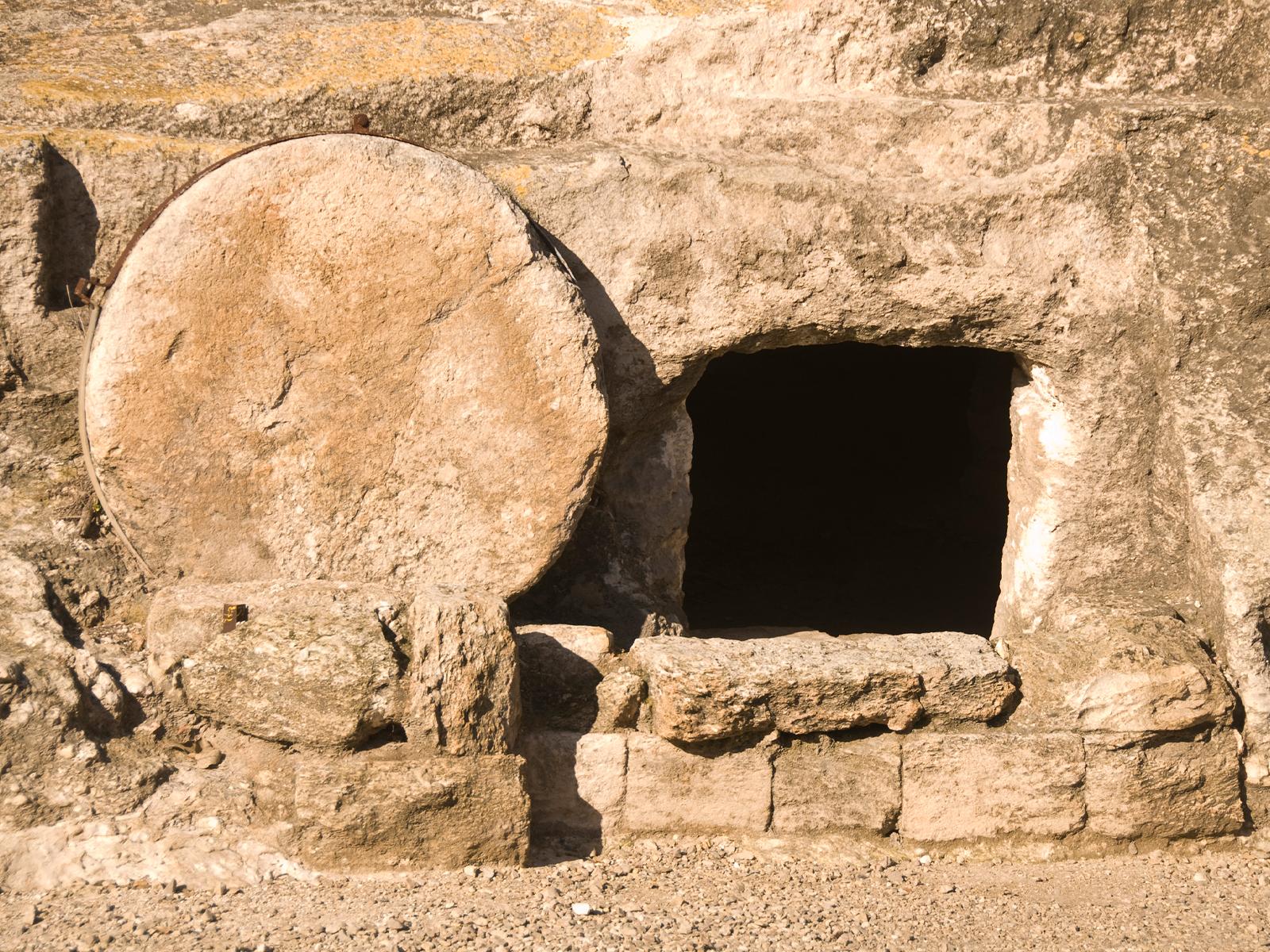 A generosidade do homem que sepultou o corpo morto de Jesus