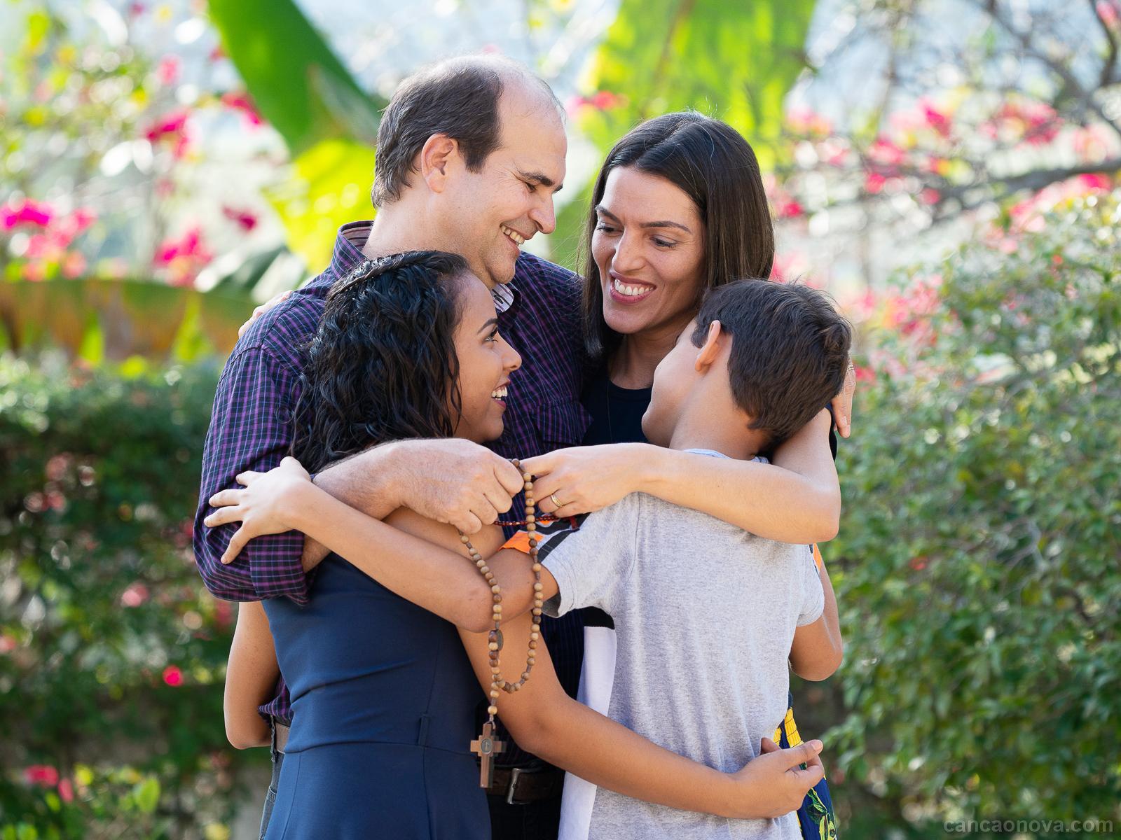 Como construir uma familia baseada em valores e no dialogo