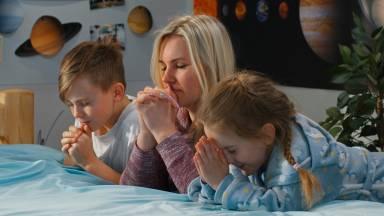 Maternidade e espiritualidade: como levar os filhos para Deus?