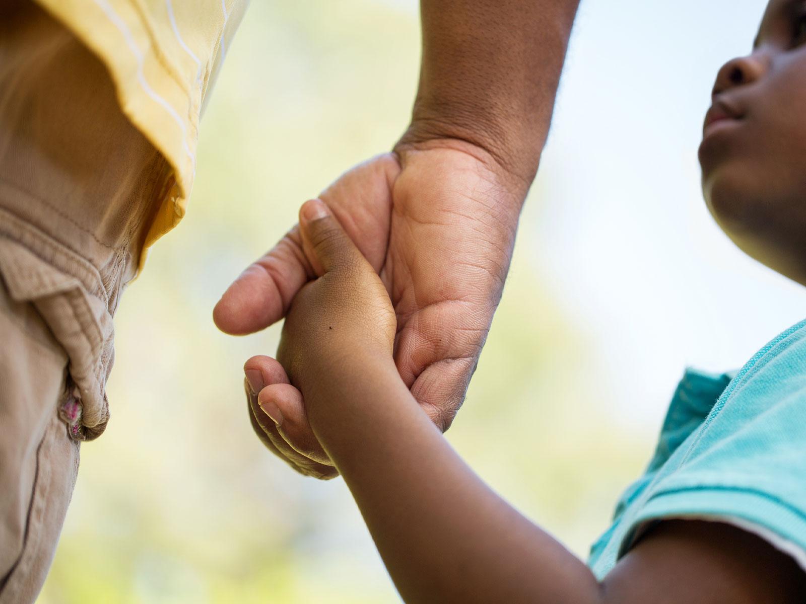 Como-os-pais-influenciam-no-comportamento-dos-filhos