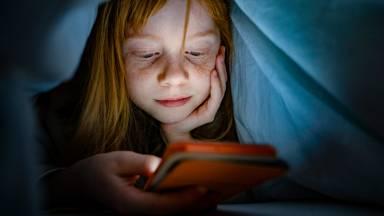 Crianças e telas: liberar ou proibir?