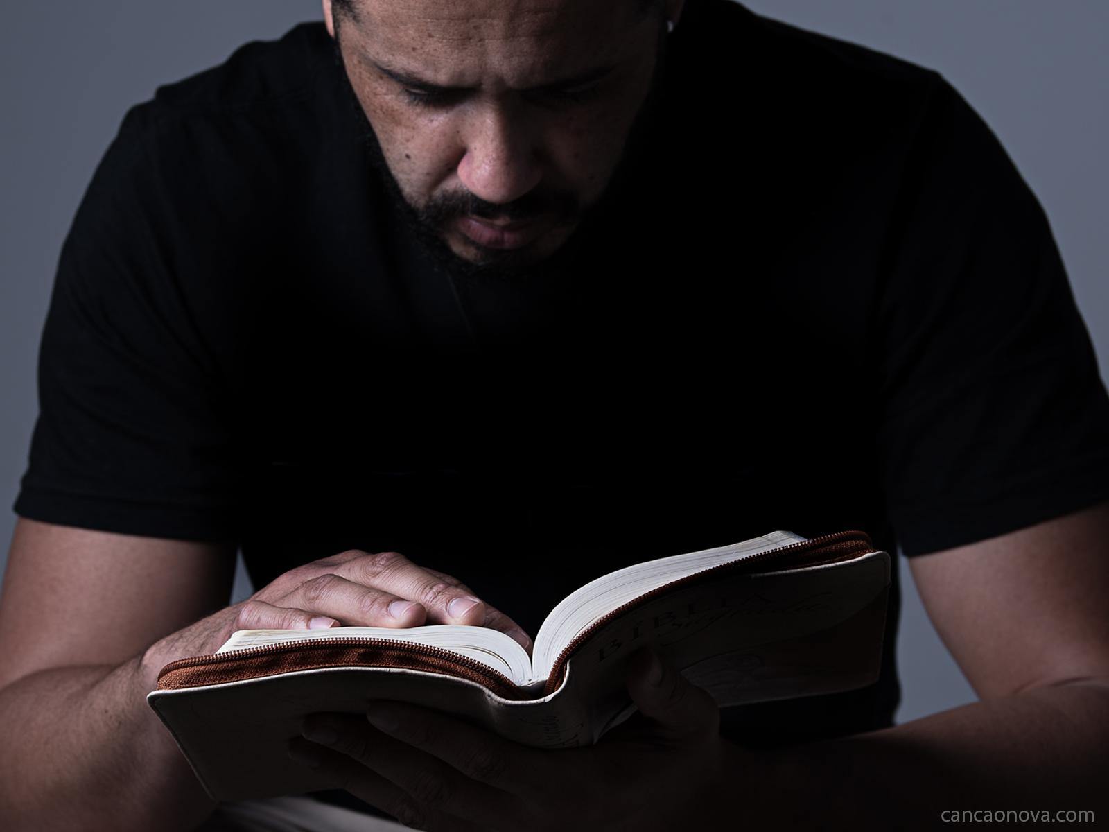 Aprenda a confiar no que Deus diz em oração e nos seus ensinamentos