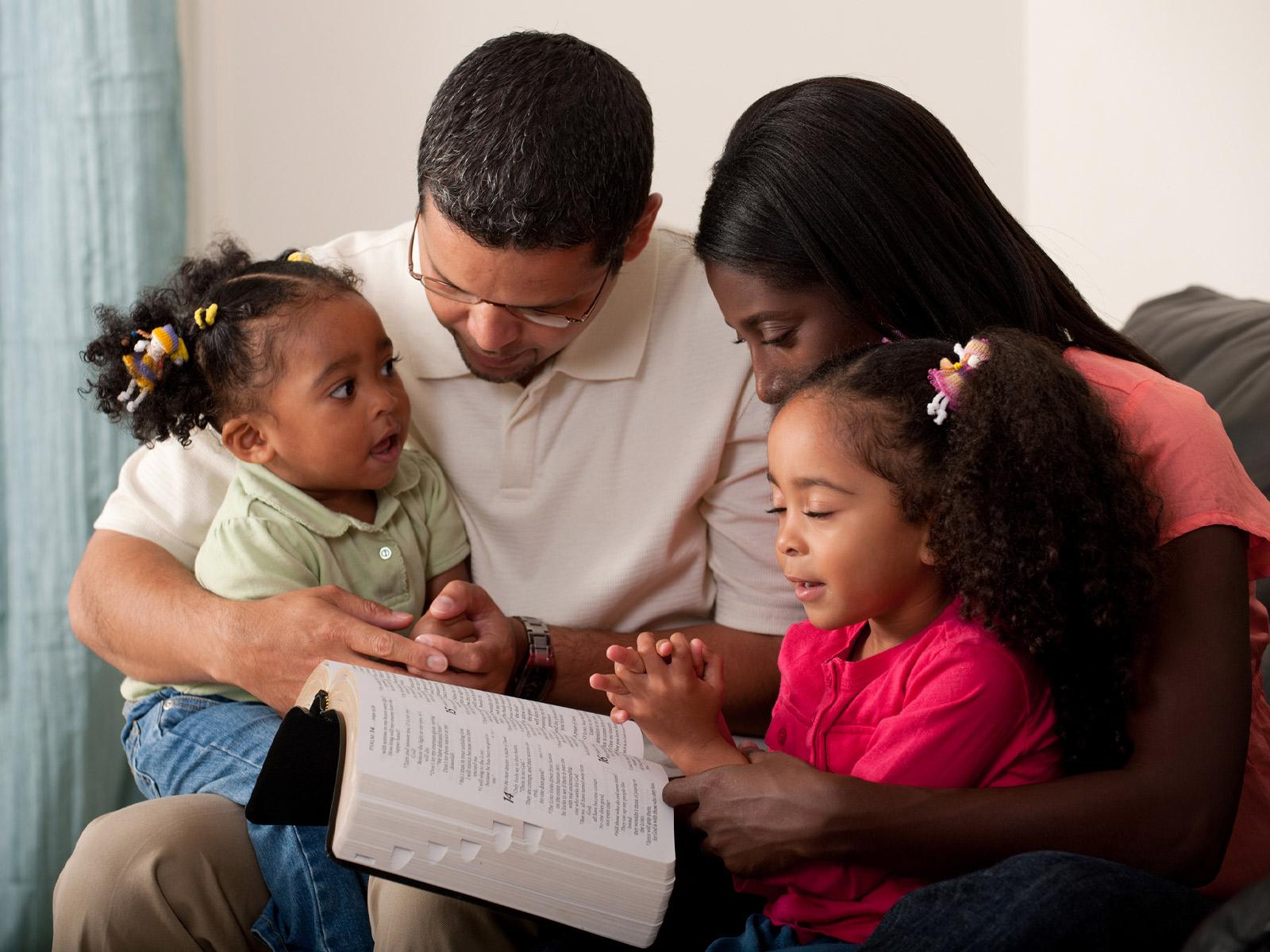 Os-filhos-se-alimentam-da-espiritualidade-dos-pais