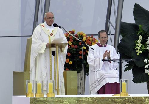 Papa Francisco preside celebração à São Paulo