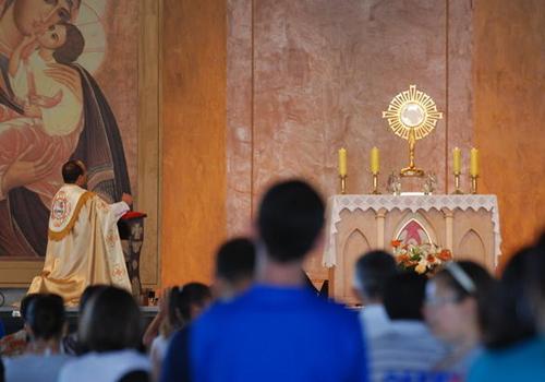 TV Canção Nova exibe dia de louvor e adoração01