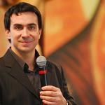 Padre Fábio de Melo encerra mês de maio com programa ao vivo