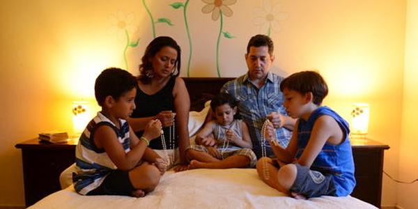 Padre Léo ensina um roteiro para restaurar a família