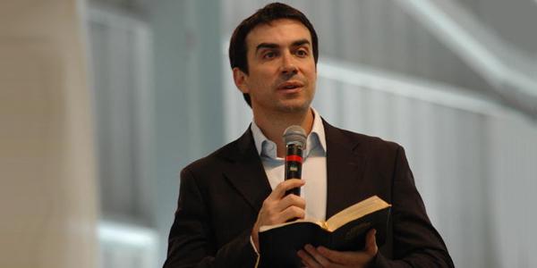Muito Faça reflexões de fé e esperança com padre Fábio de Melo TQ17